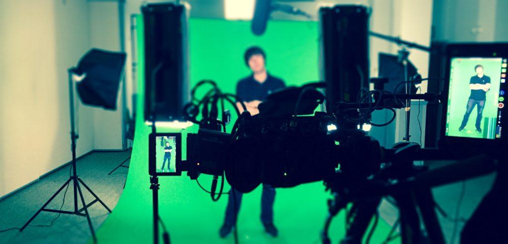Tulane Wavemakers Full-Body Green Screen